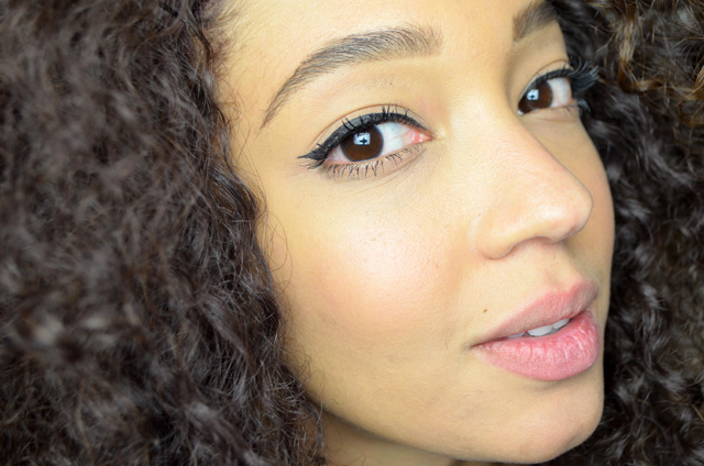 mercredie-blog-beaute-maquillage-makeup-test-avis-mascara-sephora-outrageous-curl-volume-curve