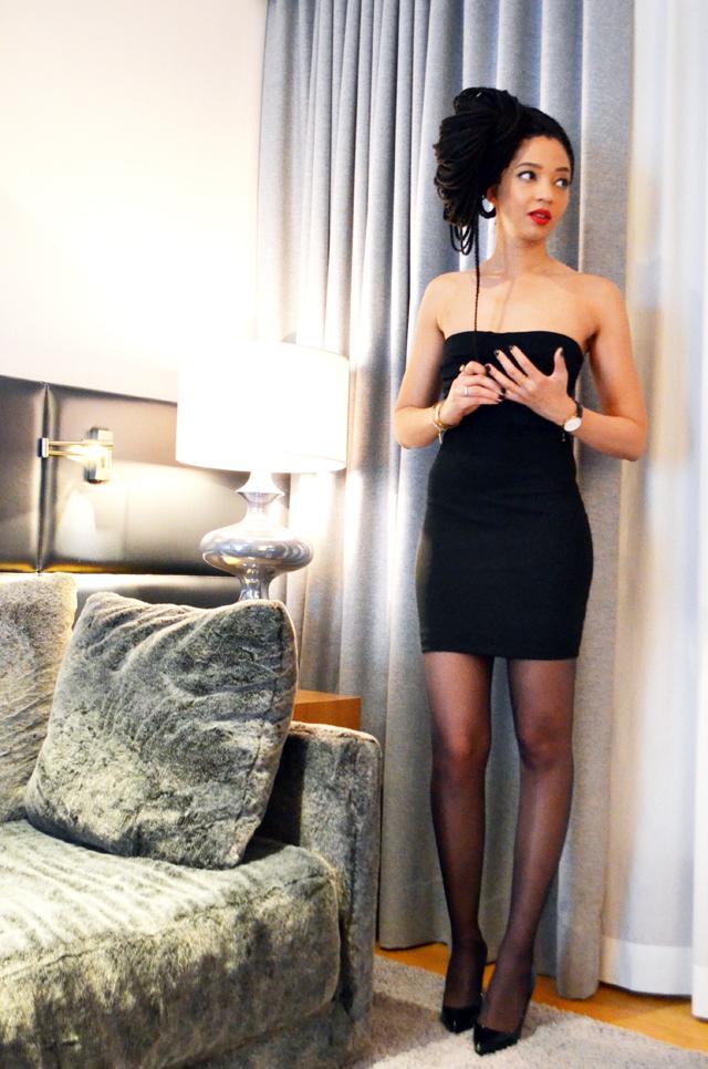 mercredie-blog-mode-geneve-courchevel-le-strato-1850-robe-bustier-mango-box-braids-red-lips-pigalle-louboutin-noir-10cm