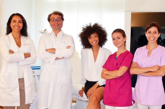 mercredie-blog-beaute-geneve-geneva-aesthetics-clinic-whitening-teeth-blanchiment-dentaire-dents-mona-board-jacques-lebahar-orthodontiste-geneva-orthodontie