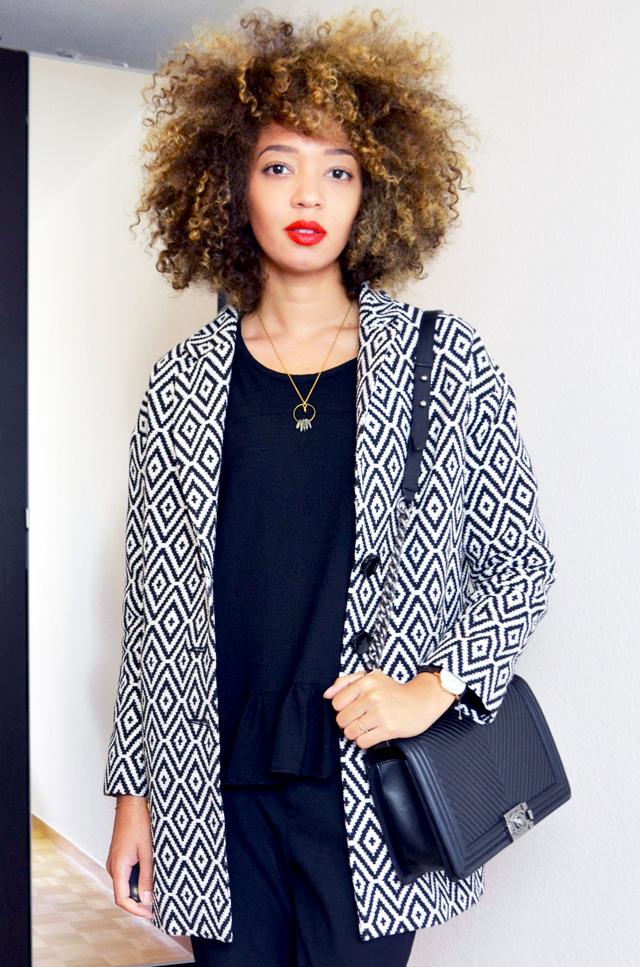 mercredie-blog-mode-beaute-skinny-tangerine-blonde-natural-afro-nappy-3c-curls-hair-cheveux-naturels-manteau-jacquard-la-redoute-adeline-affre-nassima-chanel-boy-bag-chevron-black