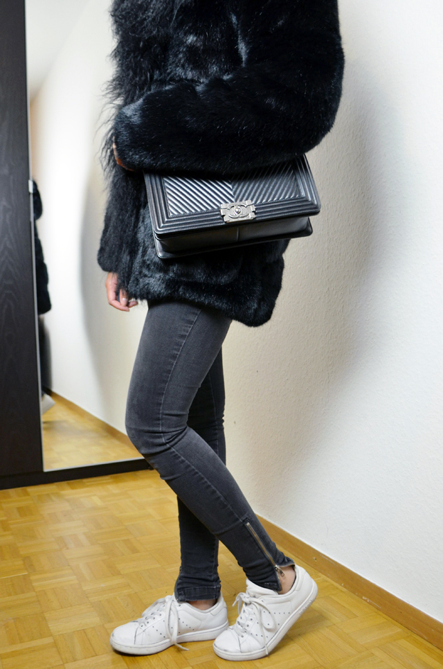 mercredie-blog-mode-geneve-maje-manteau-fausse-fourrure-king-kong-stan-smith-adidas-chanel-sac-bag-chevron-black4