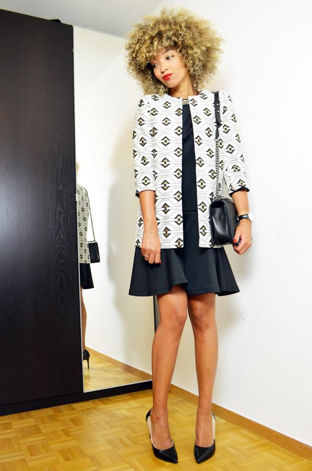 mercredie-blog-mode-geneve-la-redoute-look-vero-moda-escarpins-eden-laura-clement-chanel-boy-chevron-black-mademoiselle-r.-afro-blonde-hair-natural-nappy