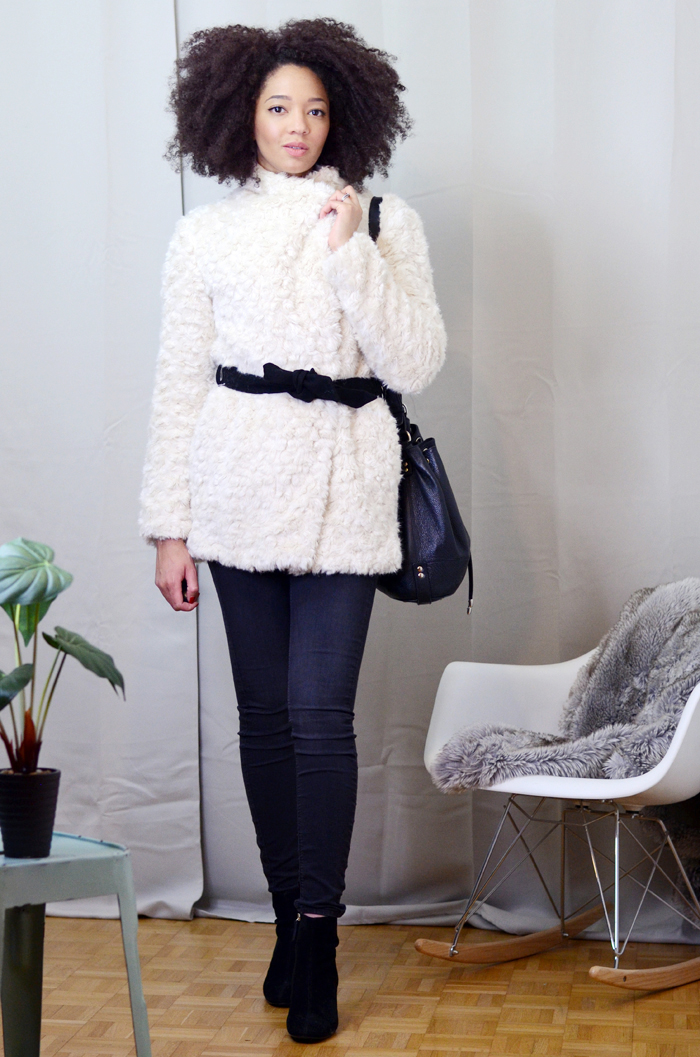 mercredie-blog-mode-soldes-promod-manteau-fausse-fourrure-sac-seau-apc-cheveux-naturels-afro-lacewig-big-beautiful-hair-outre-bottines-talons-pull-and-bear2