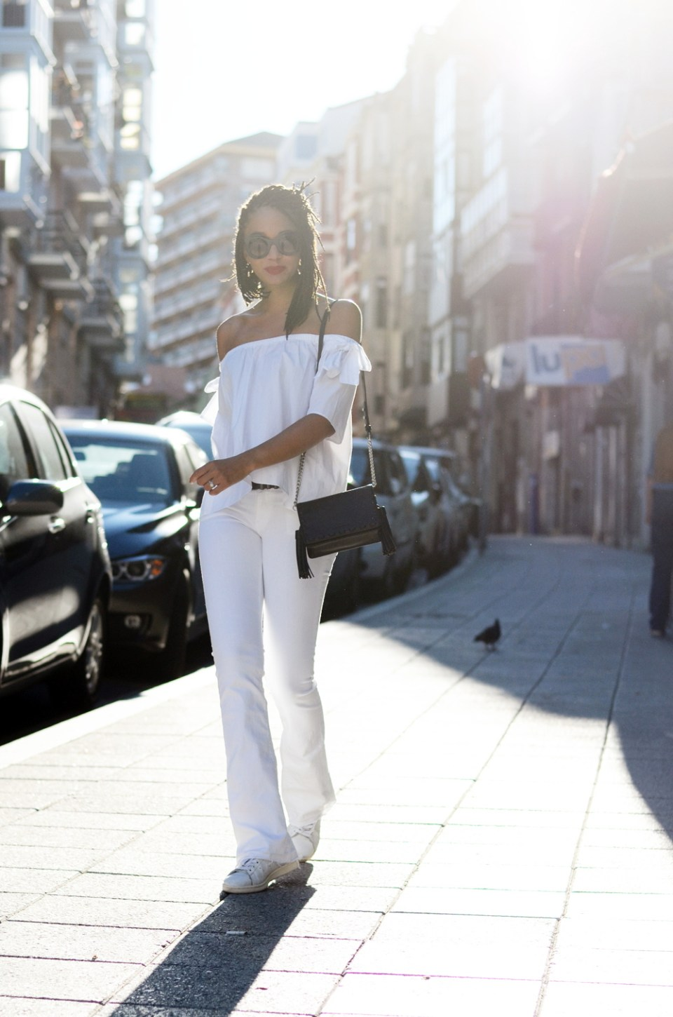 mercredie-blog-fashion-blogger-mode-geneve-suisse-santander-celine-marta-all-white-outfit-flare-elisabetta-franchetti-ceinture-kooples5