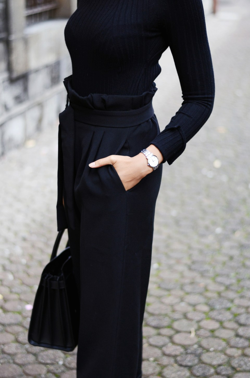 mercredie-blog-mode-geneve-suisse-fashion-blogger-all-black-outfit-chic-saint-laurent-sac-de-jour-black-matte-seiko-ultra-thin-ladies-quartz-sxb429p1-look