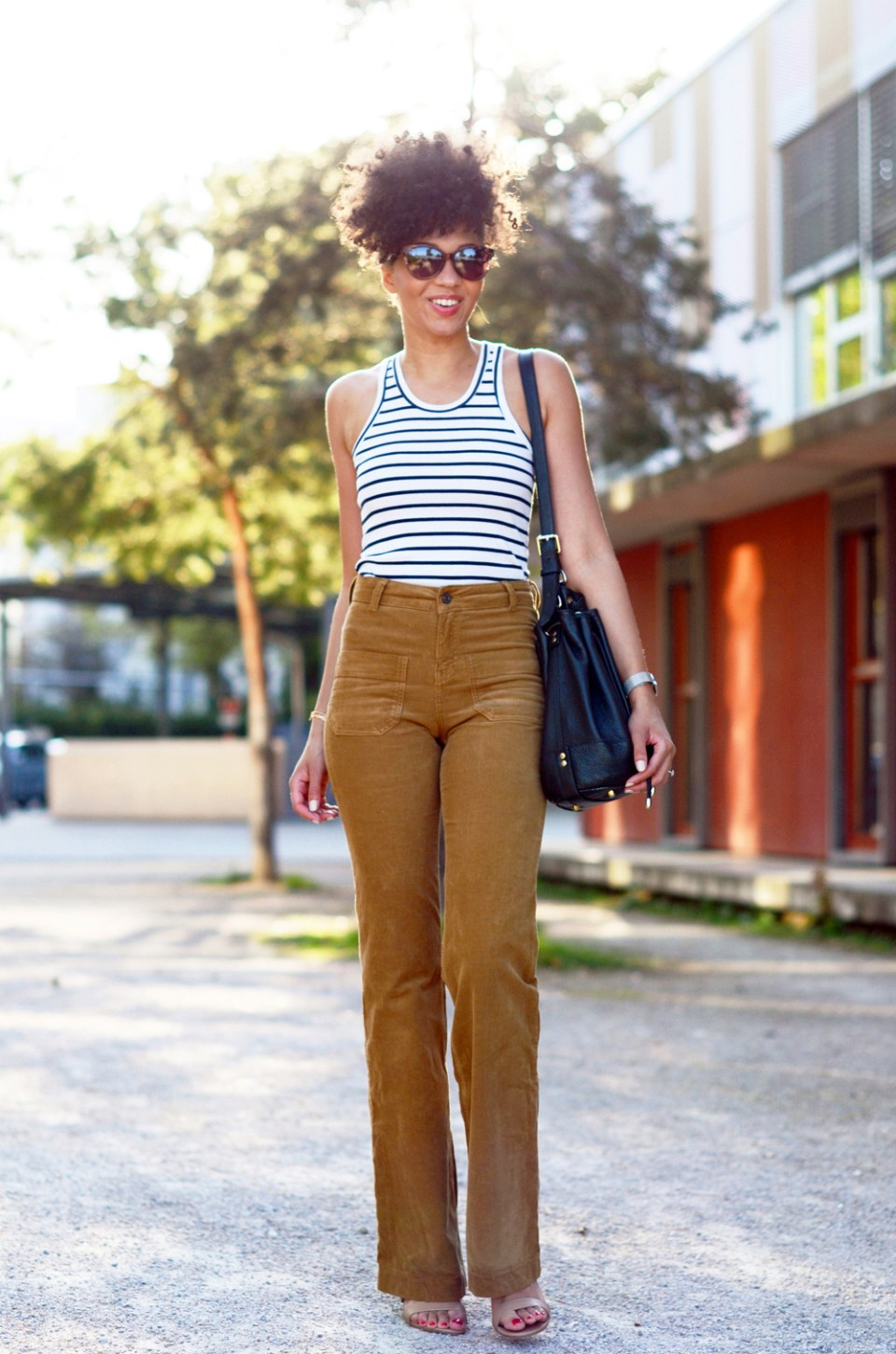 mercredie-blog-mode-geneve-suisse-blogueuse-bloggeuse-optic2000-lunettes-de-soleil-MAUI-JIM-natural-hair-frohawk-pantalon-vanessa-bruno-flare-Dompay5