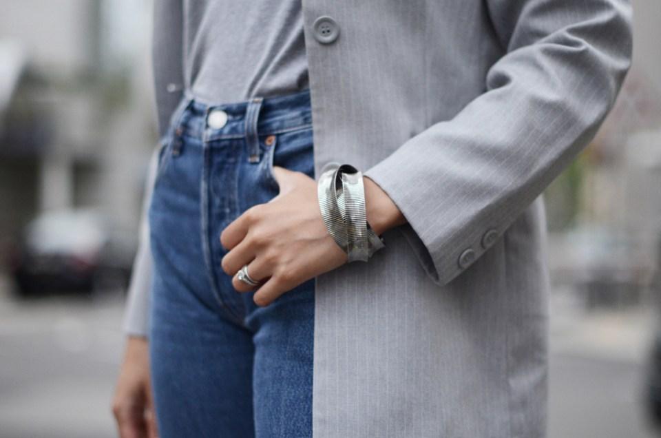 mercredie-blog-mode-geneve-suisse-levis-501-h&m-babies-velours-veste-blazer-vintage-afro-natural-curly-hair-cheveux-frises-bracelets-ethniques-bijoux-cherie8