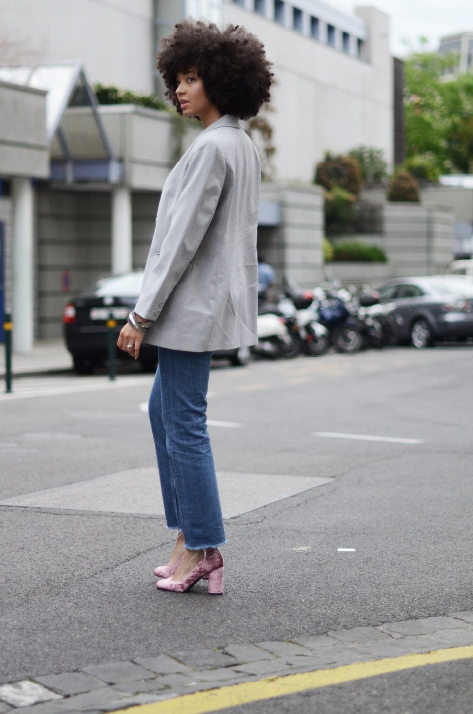 mercredie-blog-mode-geneve-suisse-levis-501-h&m-babies-velours-veste-blazer-vintage-afro-natural-curly-hair-cheveux-frises2