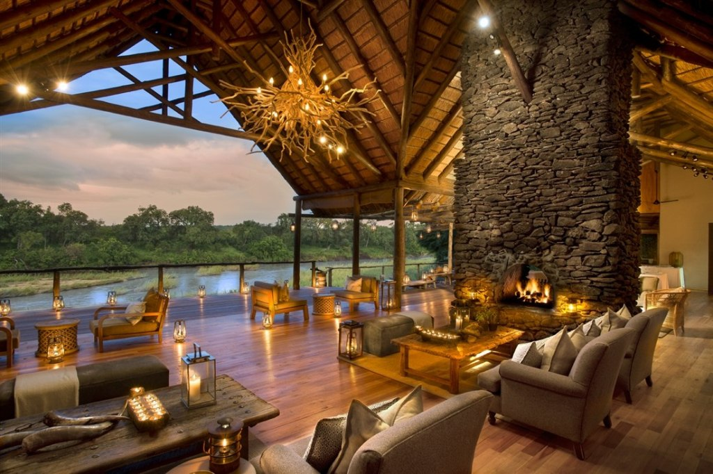 The main deck and lounge at Kapama River Lodge