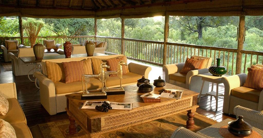The main lodge lounge at Sabi Sabi Bush Lodge