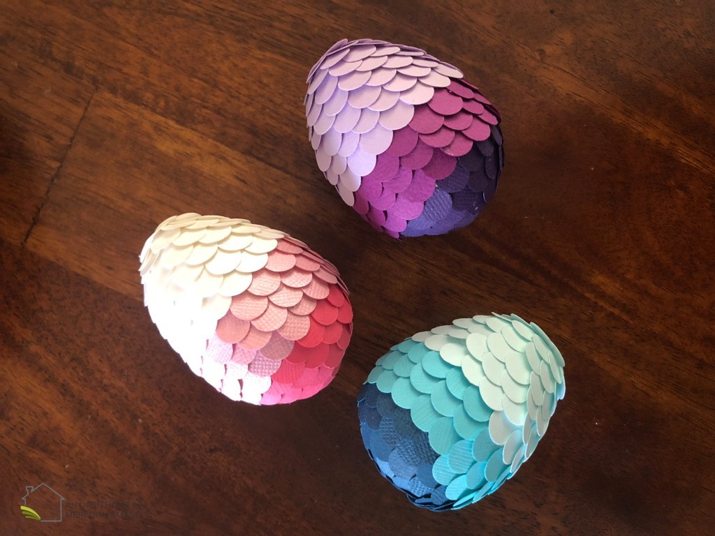 How to make DIY ombré paper Easter Eggs - Simple but colorful paper punch eggs for Easter decoration | MeredithAmand.com