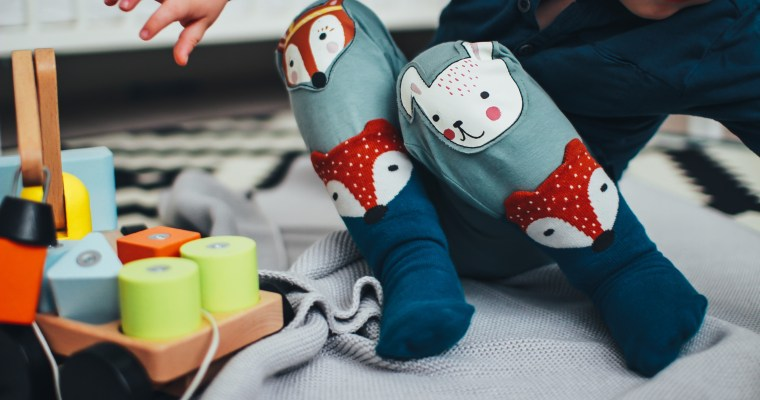12 Tips for Shopping at a Kid's Consignment Sale