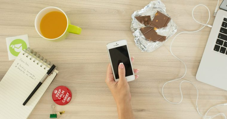 Smartphone Hacks to Simplify Mom Life
