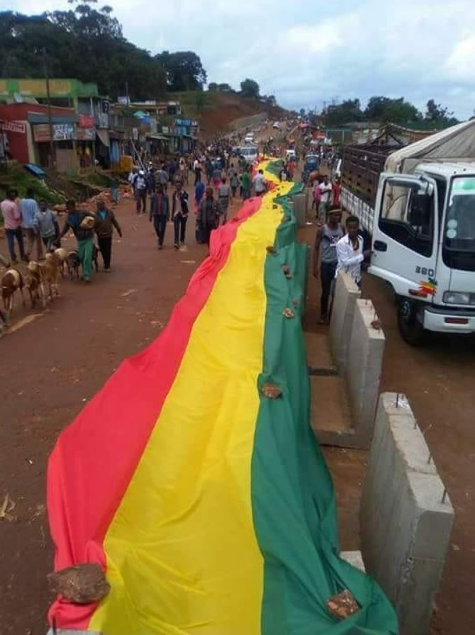 Residents of the town of Bonga in Kefa Zone, southern Ethiopia express support for Prime Ministe ...