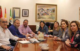 El alcalde recibe a la nueva Junta directiva de la asociación de comerciantes Emerita Augusta