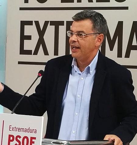 """""""Monago debe pedirle al alcalde de Almendralejo su dimisión inmediata"""""""