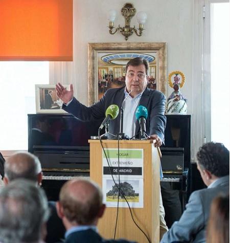 Vara pide a los extremeños que viven fuera se sumen a la reivindicación de un tren digno para Extremadura