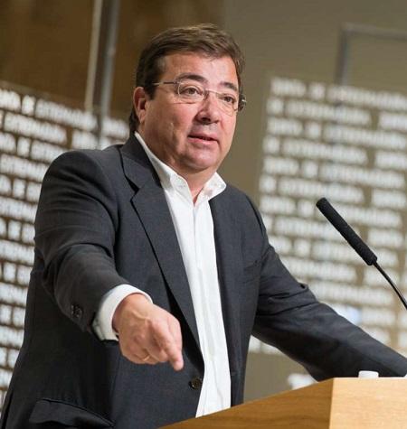 Fernández Vara urge al Gobierno a poner fecha a la negociación para hablar de la reforma constitucional