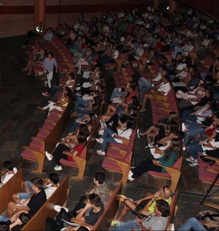 Unos 250 jóvenes emeritenses participan en un acto de sensibilización sobre los peligros de conducir bajo los efectos del alcohol