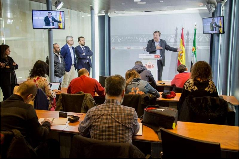 Fernández Vara presenta una propuesta de ley para captar grandes proyectos internacionales de ocio familiar
