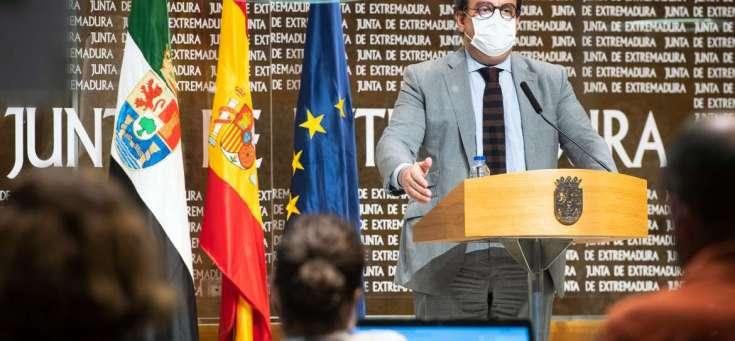 La Junta de Extremadura autoriza la apertura del ocio nocturno y flexibiliza las medidas de prevención en las residencias de personas mayores
