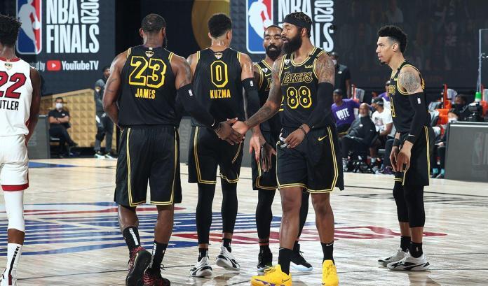 Los Angeles Lakers, LOS ANGELES LAKERS AVANZAN A PASO FIRME