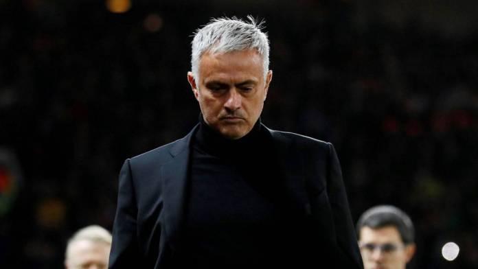 "Mourinho, JOSÉ MOURINHO: ""ABSORTO EN LOS DEPORTES"""