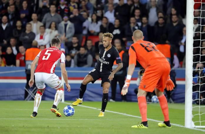 Nejmar postao najbolji brazilski golgeter u istoriji Lige šampiona!