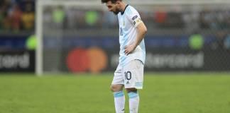lionel mesi-maradona-argentina-dres-kopa amerika-gol