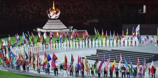 olimpijske igre-ceremonija zatvaranja-jovana preković-zastava