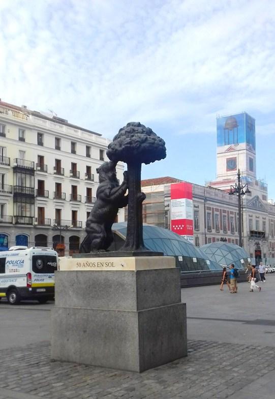 Orso col corbezzolo - Madrid.jpeg