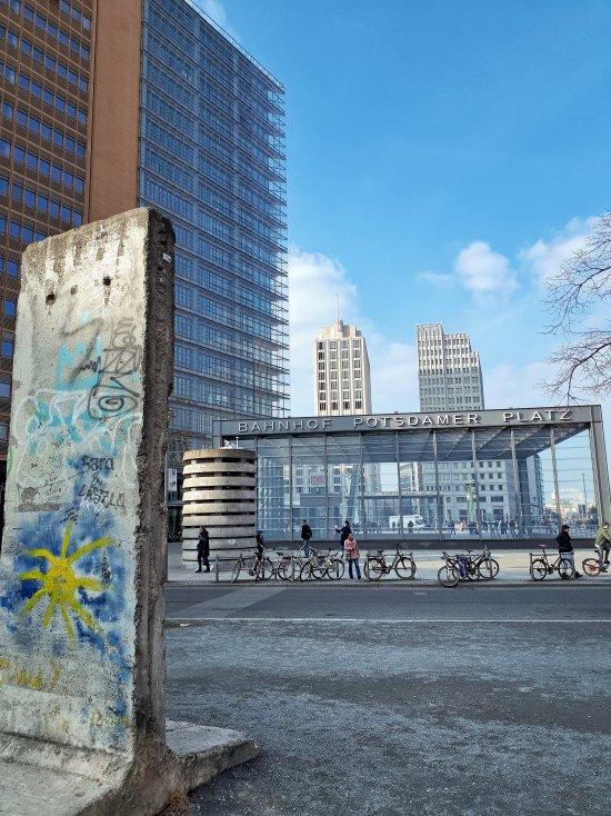 postdamer plaz - Berlino.jpeg