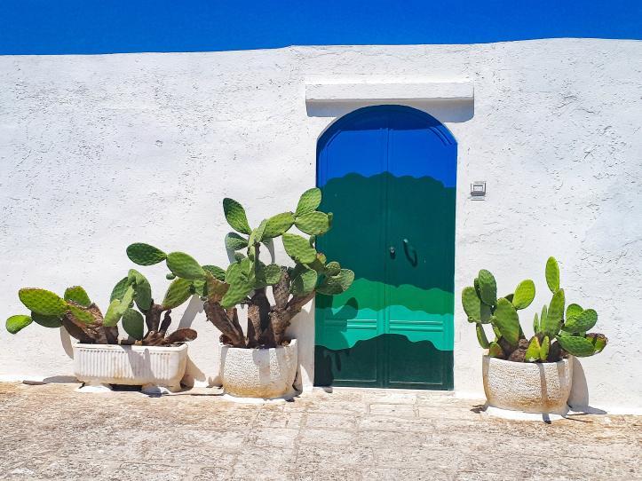 Porta Blu Ostuni.jpg