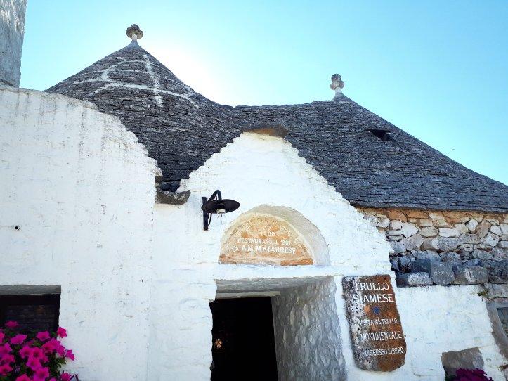 Trullo Siamese - Alberobello.jpeg