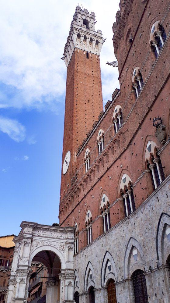 Palazzo Pubblico Siena.jpg