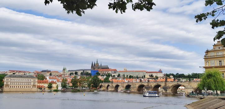 Ponte Carlo Praga.jpeg