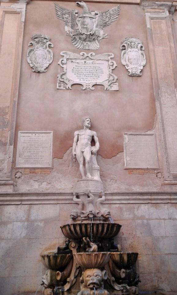 Fontana Saturno Trapani