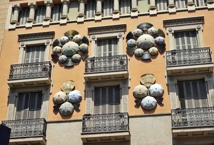 Barcellona-Casa-degli-ombrelli
