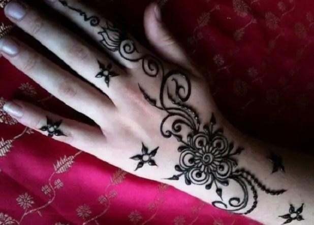100 Arabic Floral Pattern