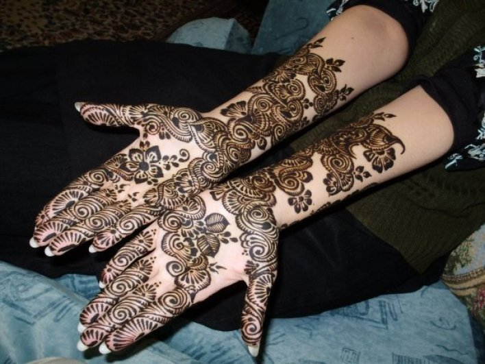 54- Full-hand-Gulf-Arabic-mehndi-design