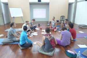 Clases de yoga en Auroville