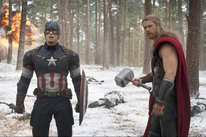 Exclusive Interviews: Chris Hemsworth and Chris Evans Bring the Thunder #AvengersAgeofUltron #AvengersEvent