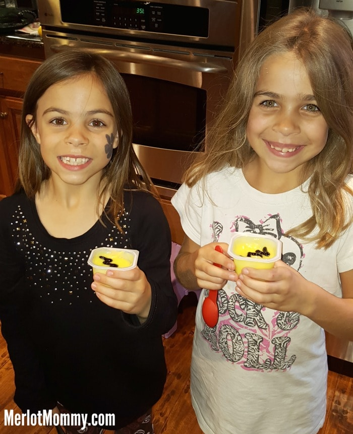 Charlie Brown Inspired Pudding Cups and Trick or Treat Bags at Albertsons