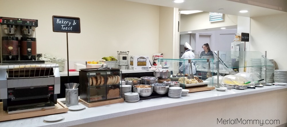 Embassy Suites by Hilton Seattle-Tacoma International Airport breakfast bar