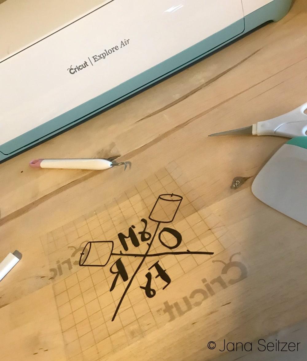 DIY Smores Bar Sign process