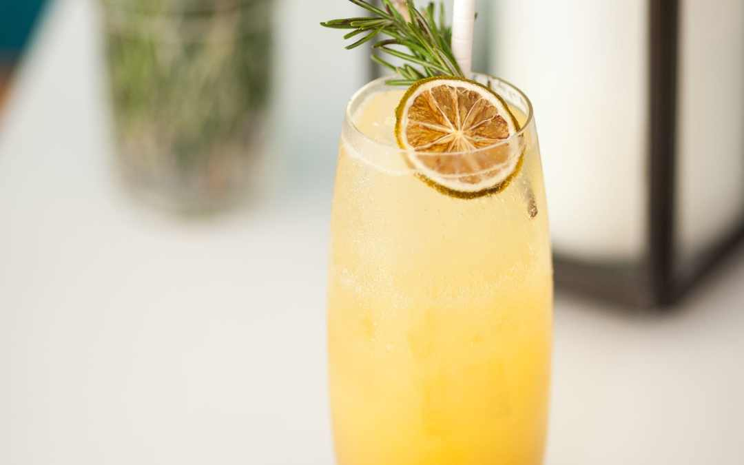 Quick Rosemary Vanilla Lemonade