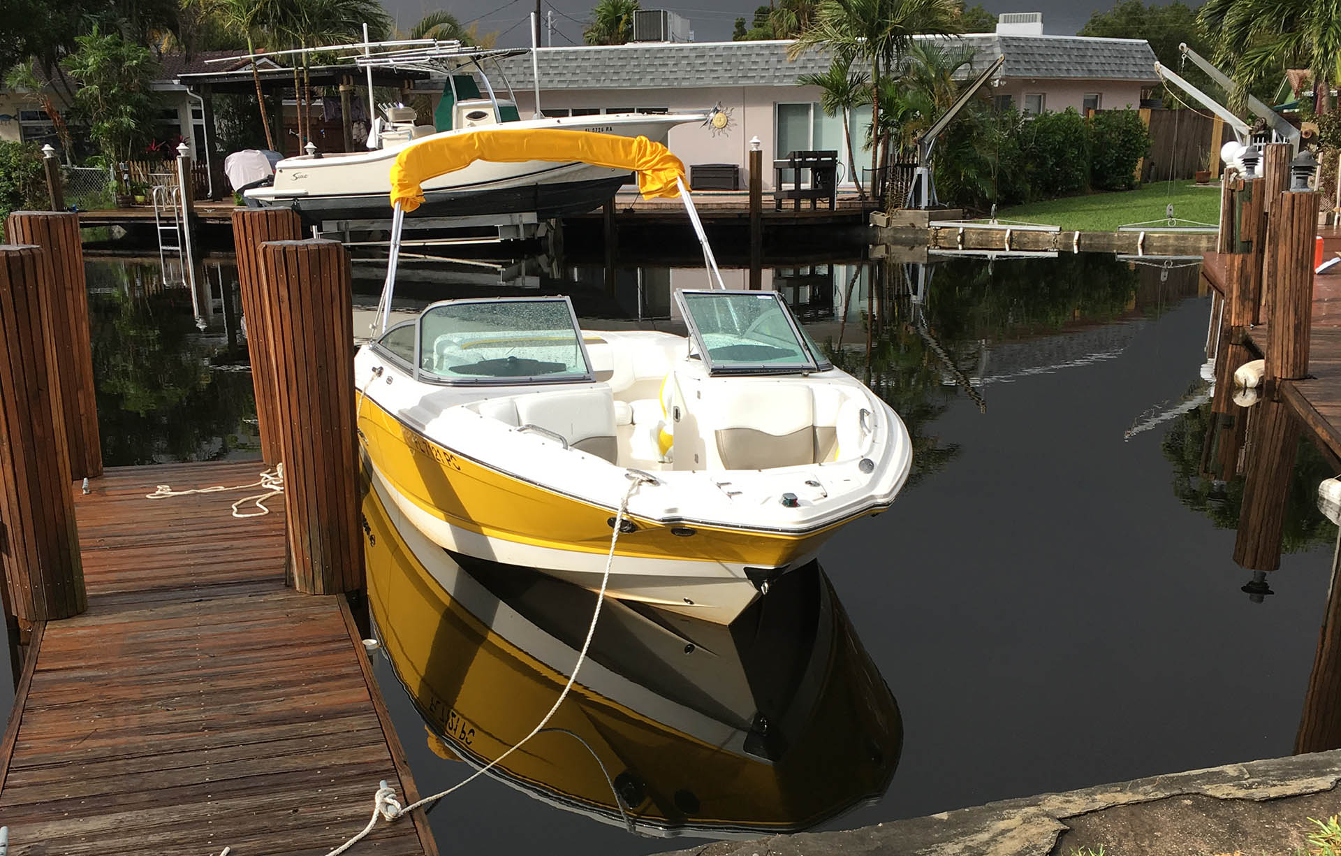 How to Clean a Boat Hull – the Easy Way via @mermaidsandmojitos