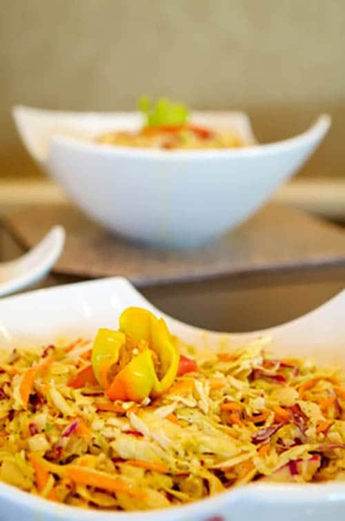 Tangy Ginger Asian Slaw – Quick and Easy via @mermaidsandmojitos