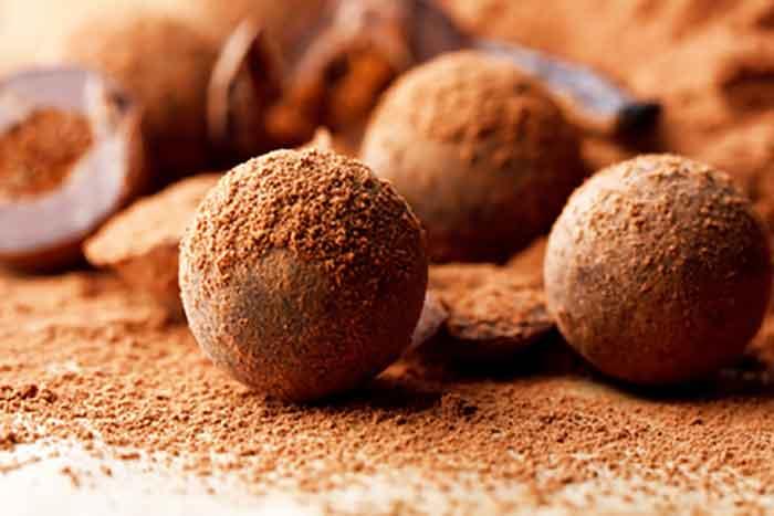 Easy Homemade Chocolate Truffles