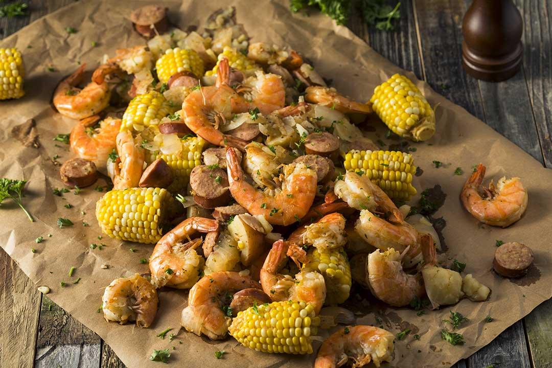 Easy Low Country Shrimp Boil via @mermaidsandmojitos